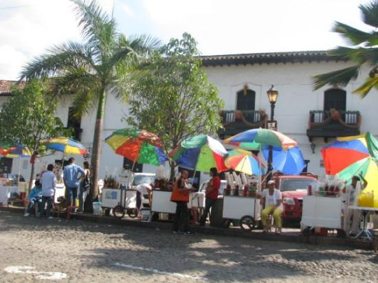 Bucaramanga, Colombie : nuestrÖs proveedores de cholaö en Girón.