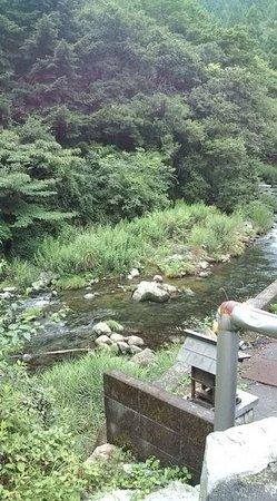 Tobizu Onsen : 近くの清流を上流までのぼっていけます
