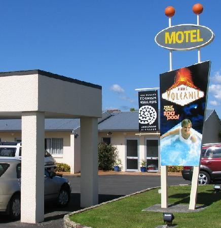 Ann's Volcanic Rotorua Motel and Serviced Apartments: sunny single level accommodation