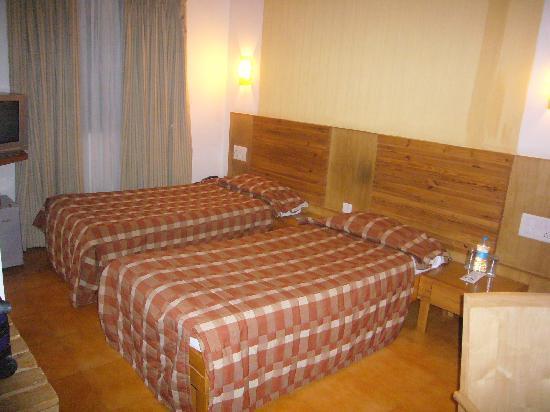 Cambay Sapphire : お部屋は広くてまあまあ快適です