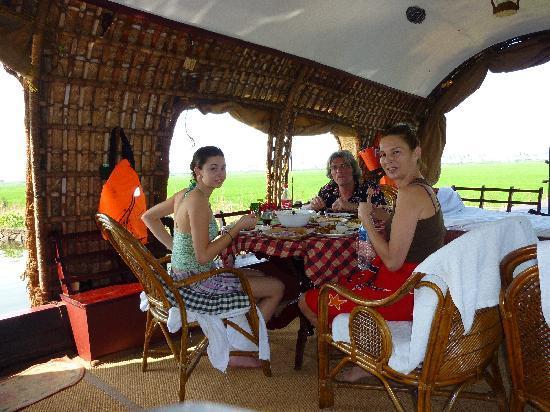 Villa Prakriti Homestay: great service, good food, very relaxing
