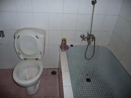 Hotel Lusa: vasca bagno