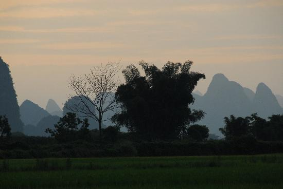 Yangshuo Outside Inn: Dusk at Chao Long