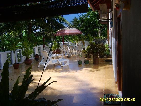 SANKAREST Villa: Garden, surrounding