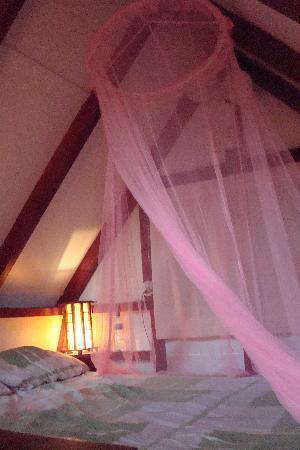 Bluspirit Cabinas: Loft bed inside cabina