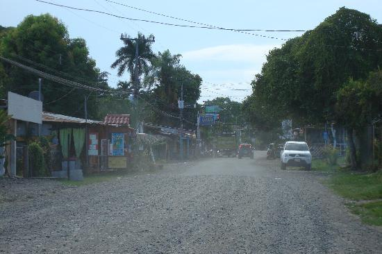 Bluspirit Cabinas: Cahuita main street through town