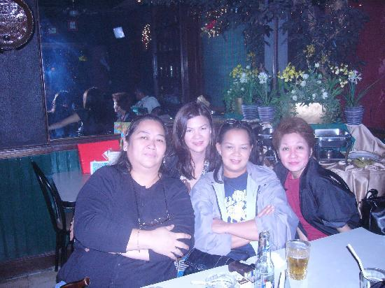 Stone House Quezon City: With friends at Star Tavern, Stone House