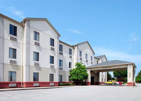 Comfort Suites NE Indianapolis-Fishers: Exterior