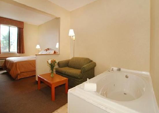 Comfort Suites NE Indianapolis-Fishers: Spa Suites