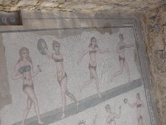 Villa Romana del Casale: Hall of the 10 girls in bikini (actually, underware, for excercising)