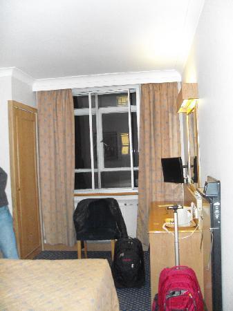 President Hotel: the room
