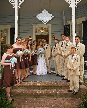 Maison Louisiane Historic Bed and Breakfast: Our bridal party in front of the house.