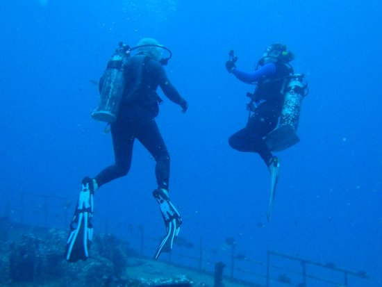 Reef Pirates Diving: Safety Oriented