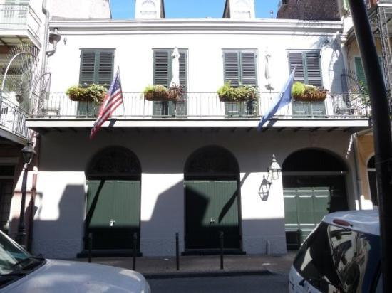 New Orleans, LA: Brad Pitt & Angelina's house in the quarter