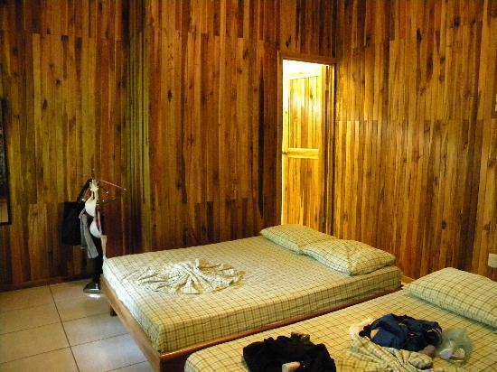 Hotel Aurora: room