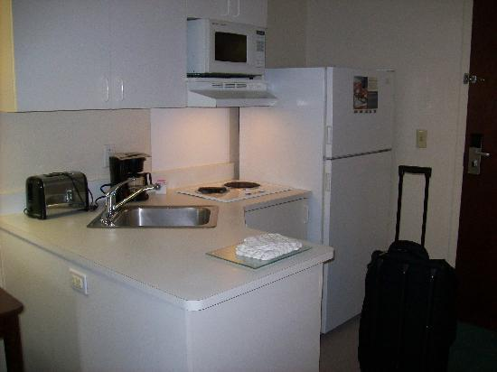 Extended Stay America - Cincinnati - Florence - Turfway Rd.: Kitchen