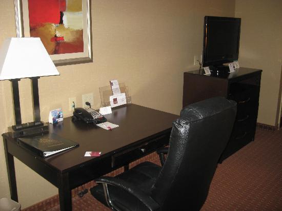 Comfort Suites Exton: Nice work space