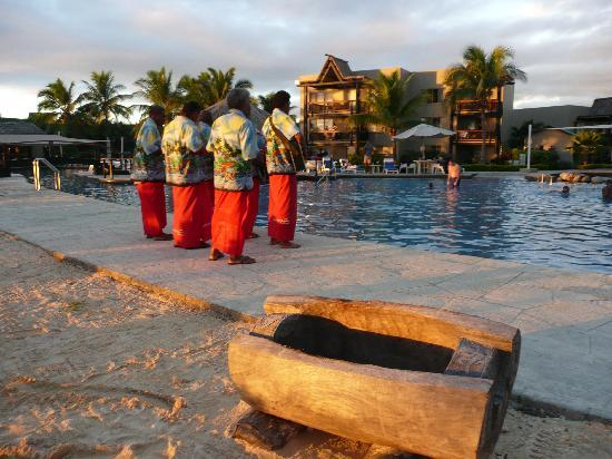 Wyndham Resort Denarau Island: Evening serenades by the pool