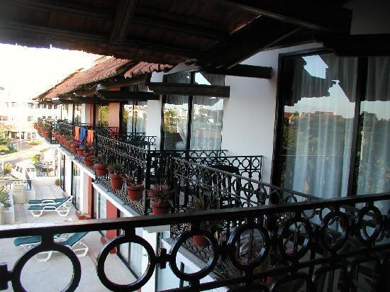 Koox Caribbean Paradise Hotel: Balconies overlooking the pool