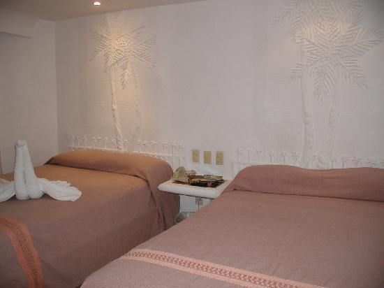 Koox Caribbean Paradise Hotel: Typical room