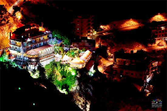 Monte Alberto - The turning restaurant that allows u to see a panoramic Zahle - Lebanese food