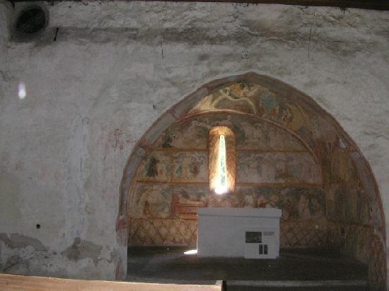 Slovakia: Intérieur de l'église de Ludrova-Ruzomberok (www.vaheurope.eu)