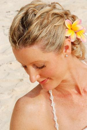 Kakera Villa Apartments Rarotonga : My bridal hair/make-up that Melinda (Kakera) did