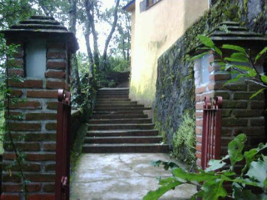 Tepoztlán, Mexico: Lanterns that guard the stairway up.