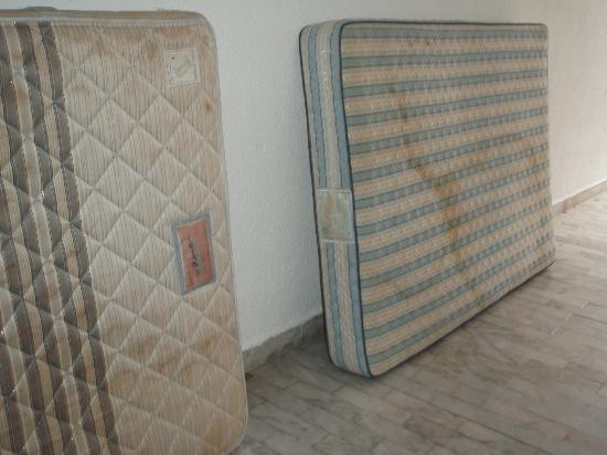 Las Perlas Condos: my bed??