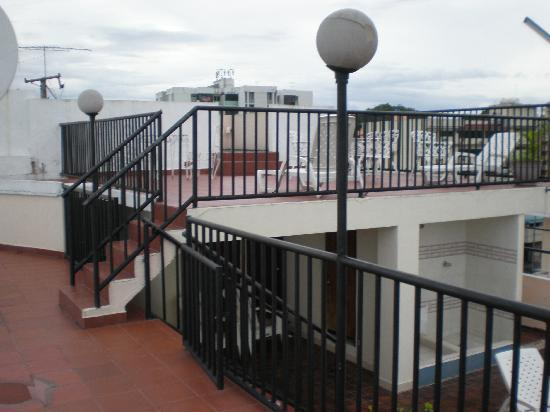 Hotel Costa Inn: The Deck