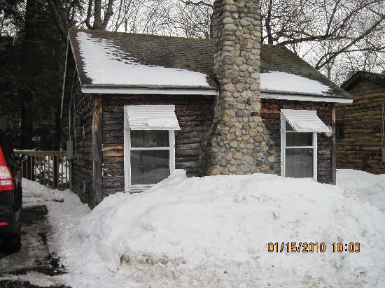 Pemi Cabins: cabin 4