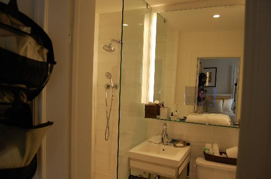 tv behind bathroom mirror excellent service superb linens shower and one 21060