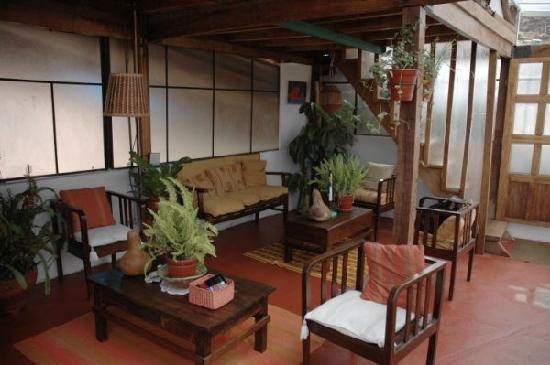Casa de Mama Cusco-The Treehouse: Cozy common area