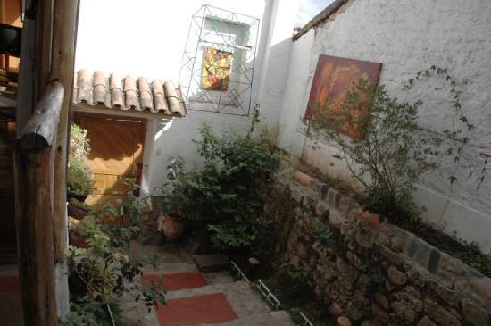 Casa de Mama Cusco-The Treehouse: The lovely patio entrance