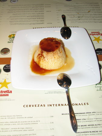 Ciudad Condal Restaurant: And you must try the flan!