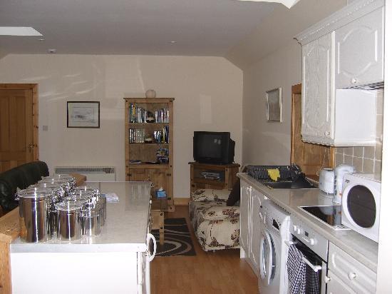 Achaleven Byre : Open plan living area