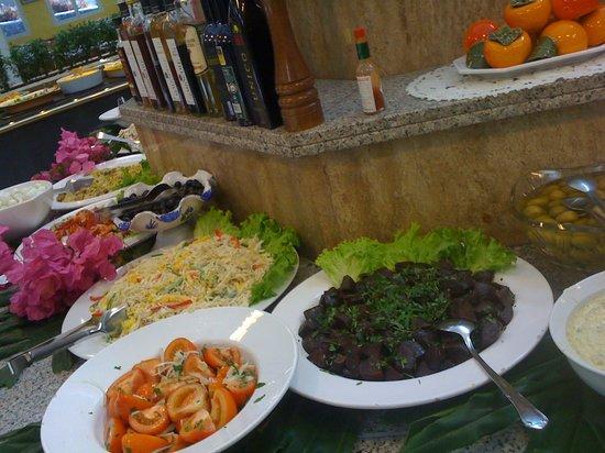 Rodeo: buffet libre y abundante