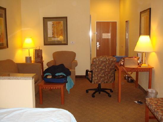 Best Western Plus Schulenburg Inn & Suites : second view of same room