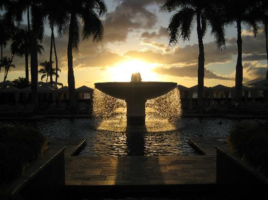 Four Seasons Resort Maui at Wailea: Fountain in pool