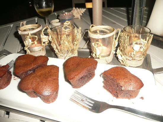 Studio Villa d'O: The hosts offer baked treats for sale - tres decadant