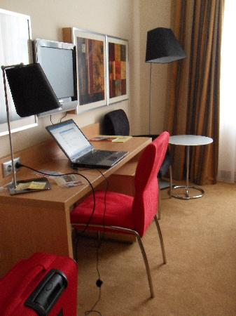HP Park Hotel - Poznan: Workspace proved very efficient