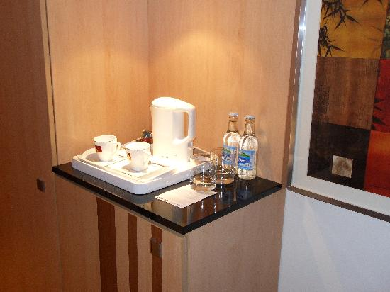 HP Park Hotel - Poznan: Coffee/tea facilities - more comfy then luxurious but still praiseworthy