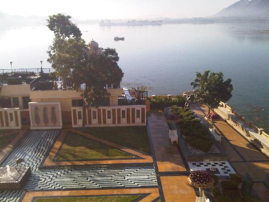 The Leela Palace Udaipur: The view from our hotel room/bed was outstanding!