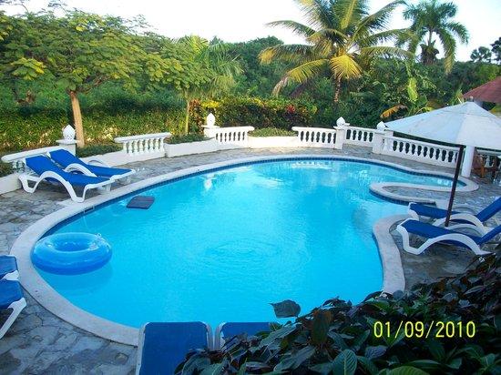 The Crown Villas at Lifestyle Holidays Vacation Resort: pool