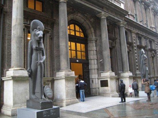 Egyptian Museum of Turin: Bao tang Ai Cap