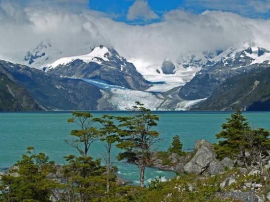 Futaleufu, Chili: Lago Leones, carretera Austral, Chile.