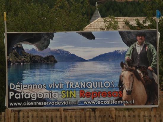Futaleufu, Чили: Reclamando sus derechos en Puerto Tranquilo, XI región, Chile.