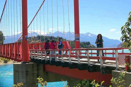 Futaleufu, Chile: Puente en el desagüe.