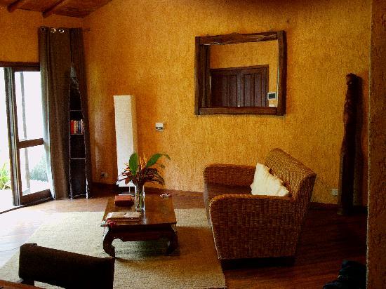 Paradise Cove Resort : bungalow - séjour