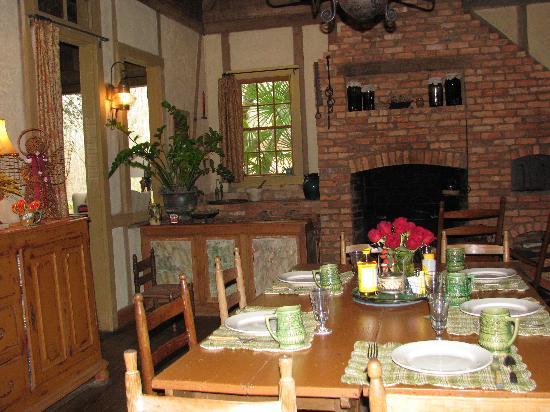 Maison Madeleine: Dining Room